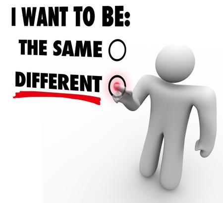 Un uomo preme un pulsante accanto alle parole cambier?utto a rappresentare la volont?i abbracciare il cambiamento e seguire nuove opportunit?er il successo Archivio Fotografico - 19912323