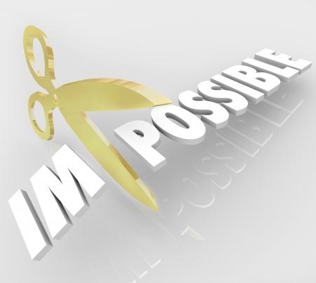actitud positiva: Un par de tijeras de oro corta la palabra imposible cambiarlo a posibles para ilustrar oportunidades y actitud positiva Foto de archivo