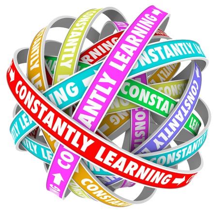 education: Les mots constamment apprendre sur plusieurs boucles colorées en cours pour l'infini pour illustrer la croissance continue, l'éducation et la formation pour développer les compétences et d'améliorer Banque d'images