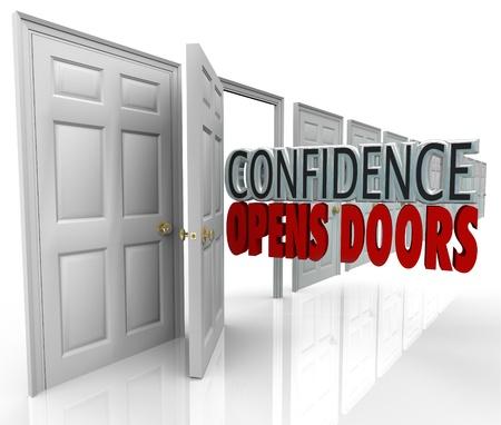 you can: Una puerta que se abre y las palabras de confianza abre puertas que ilustran la oportunidad posible por creer en uno mismo