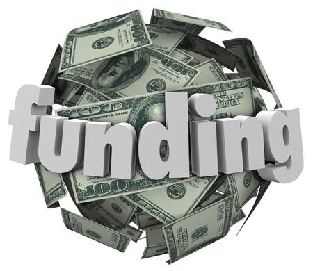 fondos negocios: Una bola o esfera de billetes de 100 dólares americanos, en efectivo o moneda para ilustrar el crecimiento de su ahorro, de inversión o nestegg de acumular riquezas y bienes