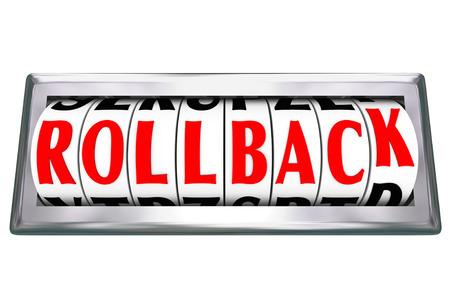 Roll Back woorden op een kilometerteller, of terugdraaien, om te illustreren vermindering of geld besparen in een winkel te koop, of terug te draaien de tijd om de geschiedenis te bezoeken en gebeurtenissen te veranderen