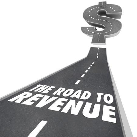 profiting: Strada alle parole Revenue su una strada o marciapiede con la freccia che sale per illustrare fare soldi e profitti in crescita