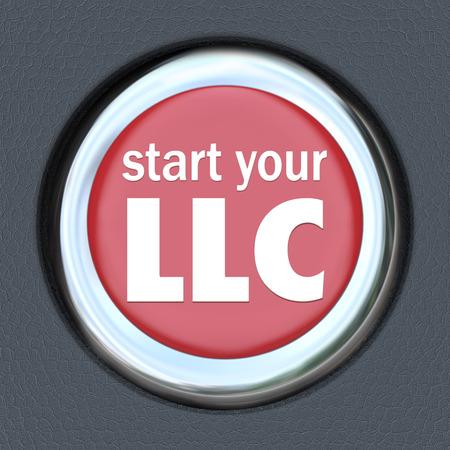 business model: Begin uw LLC woorden op een rode drukknop start de ontsteking in een auto om te illustreren het opzetten van uw nieuwe business model als een vennootschap met beperkte aansprakelijkheid Stockfoto