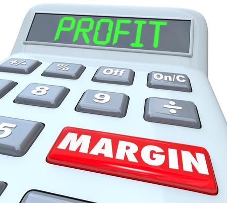 margen: Palabras Profit Margin en una calculadora de plástico para ilustrar sumar y calcular el dinero neto percibido y los rendimientos financieros de una empresa o negocio Foto de archivo