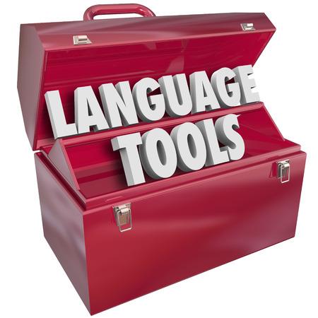 translate: Herramientas del idioma de las palabras en una caja de herramientas de metal rojo para ilustrar los m�todos y sistemas de ense�anza y de aprendizaje para la comprensi�n de un dialecto extranjero o internacional Foto de archivo