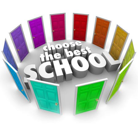 voortgezet onderwijs: Kies de beste school woorden omgeven door gekleurde deuren naar de uitdaging van het vinden of kiezen van de top college, unversity of andere secundaire onderwijs centrum illustreren om uw leerproces te bevorderen Stockfoto
