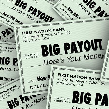 payout: Palabra de Pagos grande en muchos cheques para ilustrar un gran mont�n de dinero y ser rico o ricos por sacar provecho de sus sueldos, comisiones o ganancias de la loter�a