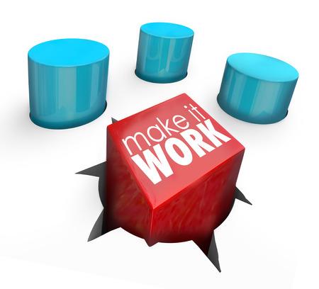 Make It Sfida parole su un piolo quadrato essendo costretti a inserirsi in un foro rotondo per illustrare determinazione a risolvere un prolbem o superare e ostacolo o sfida difficile
