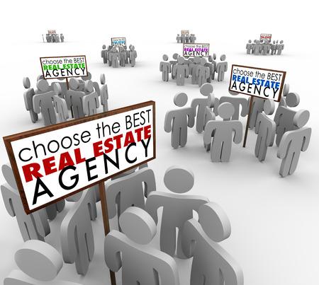 Kies de beste Makelaarskantoor woorden op borden met agenten of mensen om hen heen om reclame voor hun diensten verkopen