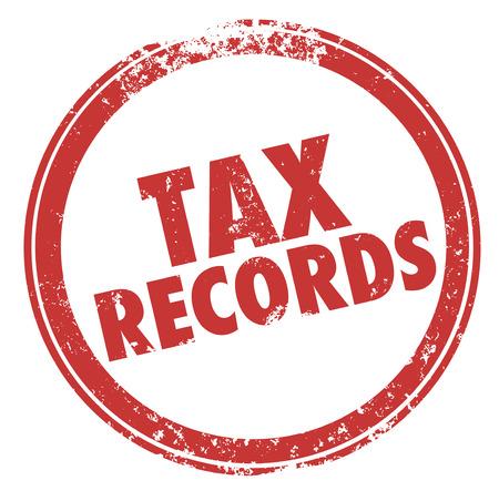 registros contables: Palabras registros de impuestos en un sello de tinta roja redonda para ilustrar la necesidad de mantener los archivos en caso de una auditoría de sus finanzas