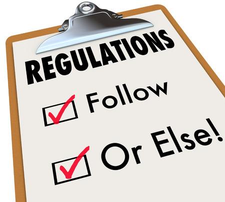 ordenanza: Reglamento de seguir o palabras Else en una lista de verificaci�n y el portapapeles evaluar si usted, su trabajo, edificio o proyecto hasta c�digos, normas y leyes Foto de archivo
