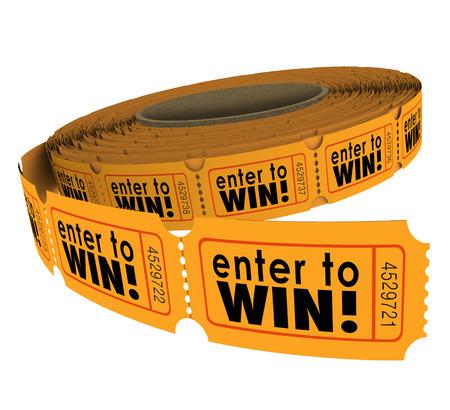 Eingeben, um Win Worte auf einer Rolle von Orange Tombola oder Lotter Tickets als Geldbeschaffer für Wohltätigkeit oder Wettbewerb für glückliche Spieler Standard-Bild
