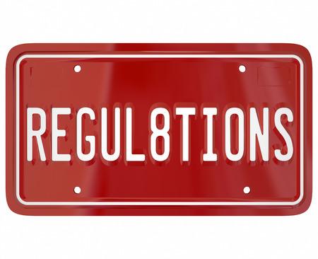 ordenanza: Reglamento de palabras sobre una placa de metal rojo para el coche o automóvil que ilustra las reglas y leyes importantes para la seguridad se prueba el vehículo deberá someterse a Foto de archivo