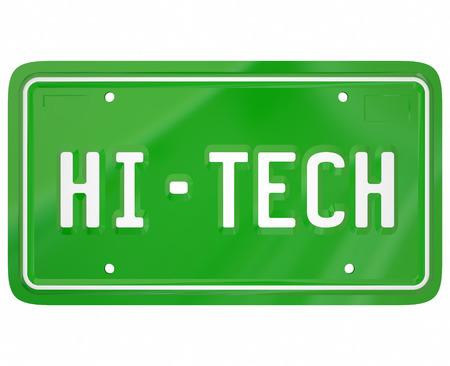 plaque immatriculation: Salut-Tech mots sur une plaque verte de voiture ou de la vanit� de l'automobile licence pour illustrer la technologie ou l'informatisation num�rique moderne dans un nouveau v�hicule Banque d'images