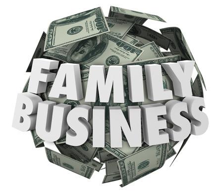 planificacion familiar: Familia Negocio palabras 3d en bola o esfera de dinero en billetes de cien dólares para ilustrar una empresa comenzaron o lanzados por los miembros de las familias