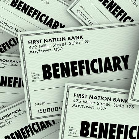 Palabra beneficiario de los cheques como pagos de pólizas de seguro o herencia de un testamento o fideicomiso de un miembro de la familia que ha muerto Foto de archivo
