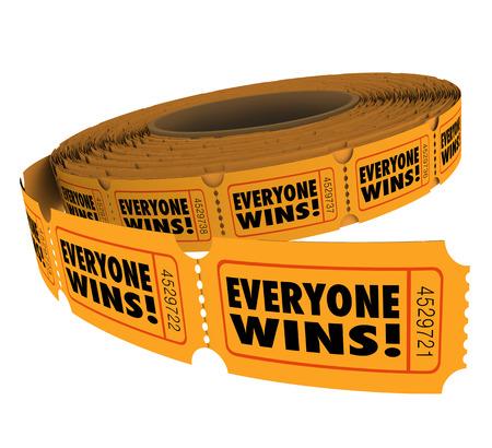 Tout le monde gagne mots sur les billets de tombola dans une collecte de fonds où se inscrivant au concours ou des prestations de dessin tous les participants