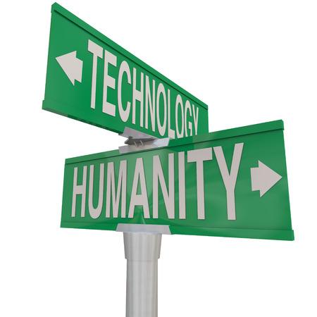 humanidad: Intersecci�n de la tecnolog�a y de la Humanidad ilustra en dos calles o carreteras signos verdes apuntando en direcciones opuestas Foto de archivo