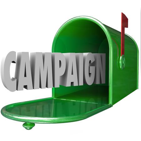 Campagne 3d woord in een groene metalen brievenbus om te illustreren reclame, marketing of politieke boodschap of de communicatie naar klanten, bewoners of kiezers