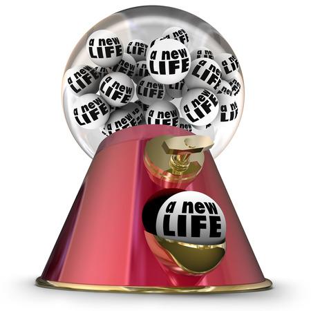 optimismo: Palabras Nueva Vida en bolas de goma en una máquina o dispensador para ilustrar empezar de nuevo o comenzar de nuevo con una nueva perspectiva fresca