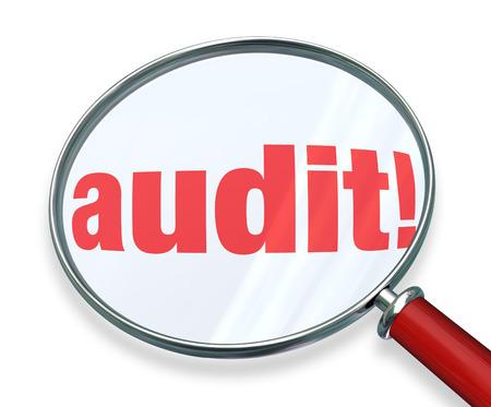 Prüfen Sie das Wort unter einer Lupe, um die Rechnungslegungs- oder Buchhaltungsregeln oder -vorschriften zu veranschaulichen, die Sie für Ihre privaten, privaten oder geschäftlichen Finanzen beachten müssen Standard-Bild - 36825220
