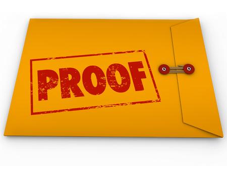 Parola Proof timbrato su una busta gialla contenente i documenti come prova o testimonianza in un procedimento giudiziario o di altra controversia Archivio Fotografico