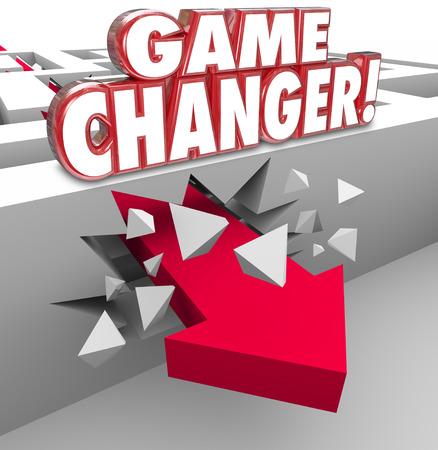 competencia: Palabras cambiador de juego en letras rojas 3d en una pared laberinto y una flecha rompiendo para ilustrar un nuevo plan o estrategia para ganar el juego o competencia en los negocios o la vida Foto de archivo