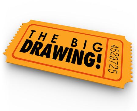 기금 모금 또는 자선 돈 이벤트에서 행운의 당첨자를 따기위한 오렌지 복권이나 콘테스트 티켓에 큰 그리기 단어