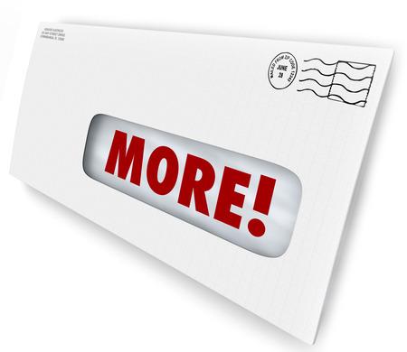 exceeding: M�s palabras en el sobre para ilustrar el aumento o el aumento de su tasa de respuesta a la comercializaci�n o la publicidad de correo Foto de archivo