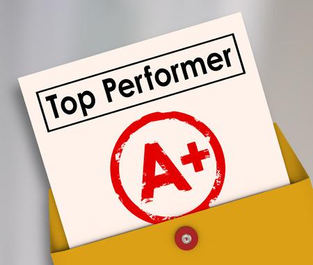 reconocimiento: Top Performer y carta de grado A Plus estampada en él para ilustrar la mejor puntuación, calificación, revisión o evaluación de un estudiante en la escuela o empleado en el trabajo