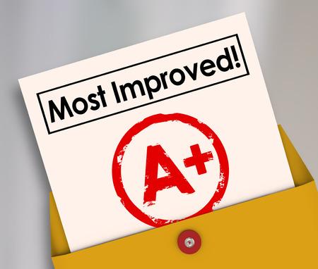 Most Improved grade A plus sur la carte de rapport pour illustrer une meilleure performance, la croissance, l'apprentissage de ses erreurs et de bons résultats Banque d'images - 42384064