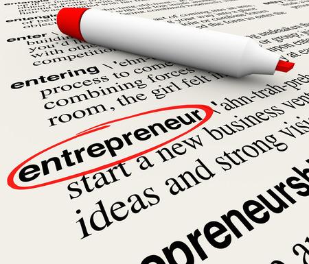 Ondernemer woord omcirkeld met woordenboek definitie om te illustreren of een ondernemer het starten van een nieuw innovatief bedrijf te definiëren Stockfoto