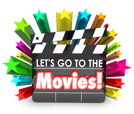 Andiamo alla scheda della pellicola di film batacchio per illustrare divertirsi guardando film come intrattenimento in un cinema o teatro Archivio Fotografico - 43225050