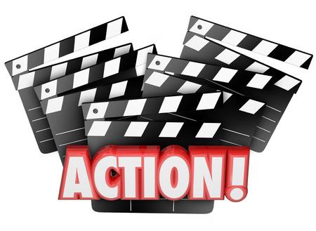 accion: Palabra de Acción sobre placas de azote de película para ilustrar dirección, actuación, producción o fabricación de una película o un evento teatral para el entretenimiento y el disfrute ante una audiencia