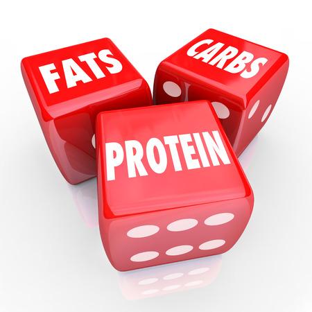 Vetten Koolhydraten Eiwitten 3 rode dobbelstenen om een goede evenwichtige voeding of een voeding met gezonde voeding en dieet gewoonten te illustreren Stockfoto