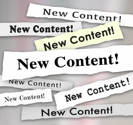 Nieuwe Content koppen gescheurd uit kranten aan te kondigen of adverteren dat verse, aanvullende of meer informatie hebben blogs, artikelen of columns geplaatst om te profiteren lezers of een publiek Stockfoto