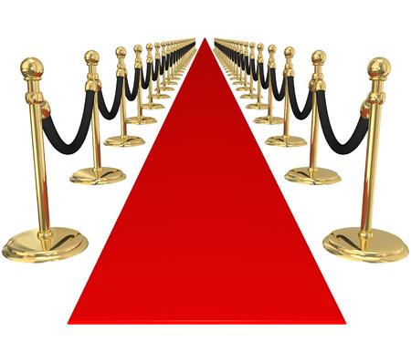 acogida: Alfombra roja y l�nea de candeleros de oro con cuerdas de terciopelo para ilustrar bienvenida, la llegada o invitaci�n a una importante fiesta VIP exclusiva o evento Foto de archivo