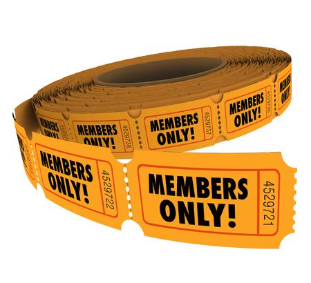 Members Only Wörter auf Karten auf einer Rolle Ereignis, Partei oder Einladung für VIP-Gruppe Mitarbeiter oder Kundenzugang oder Eintrag