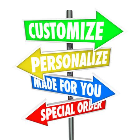 modificar: Personalizar, personalice, Hecho para Usted y Ordenar palabras especiales de varios signos de flecha apuntando a almacenar mercanc�as o productos para comprar o compra Foto de archivo