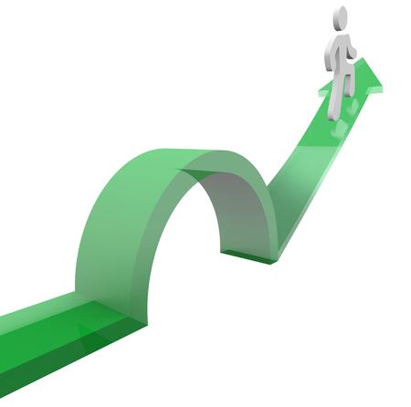persona saltando: Hombre o una persona en una flecha saltando un problema o problemas para evitar algo