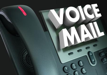 Voice Mail woorden in het wit 3d letters op een telefoon naar een ingesproken bericht of een groet te illustreren Stockfoto