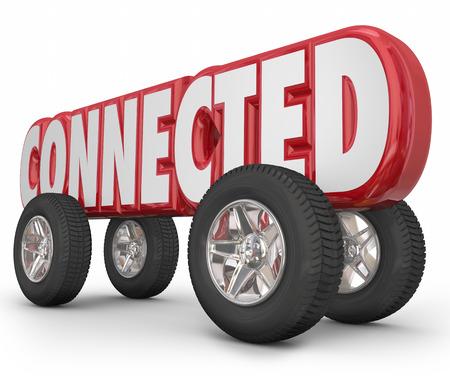 Conectado palabra en letras rojas 3d en las ruedas para ilustrar un automóvil, camión u otro vehículo utilizando los servicios autónomos, basados ??ADAS o en la web para la conducción de conveniencia Foto de archivo