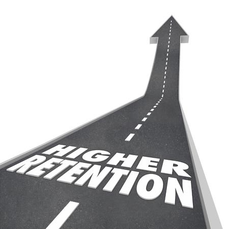 incremento: palabras de retención más altas en la carretera que conduce hacia adelante o hacia arriba para controlar el aumento o la mejora de los clientes, los lectores, empleados o público Foto de archivo