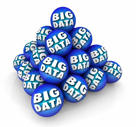 Pyramide de données de sphère de données Big Data Resource Illustration 3d Banque d'images - 81262930
