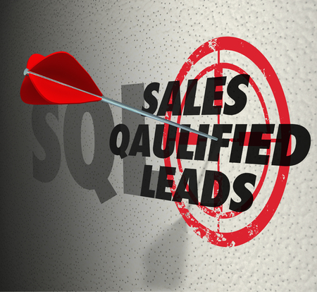 Sales Qualified Leads SQL Arrow Target 3d Illustration Standard-Bild