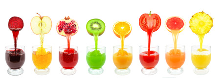 Fresh fruit juices from flowing into the glass