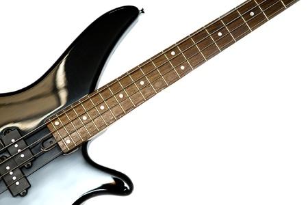 Fragmento de negro bajo guitarra eléctrica con cuatro cuerdas, aislado Foto de archivo - 9137979