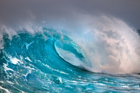 powerful: Ocean wave