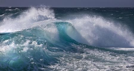 rushing water: Ocean wave